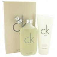 CK ONE by Calvin Klein - Gjafasett - 6.7 oz Eau De Toilette Spray + 6.7 oz Body Moisturizer f. dömur