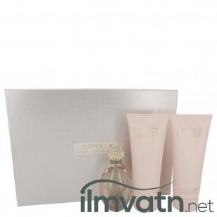 Lovely by Sarah Jessica Parker - Gjafasett- 3.4 oz  Eau De Parfum Spray + 6.7 oz Body Lotion + 6.7 oz Shower Gel f. dömur